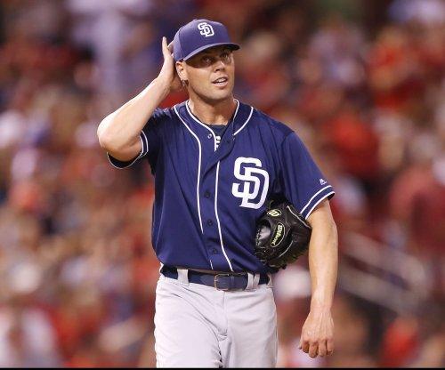 Richard, Padres take aim at Braves