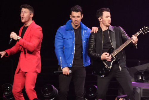 Jonas Brothers channel classic films in 'What A Man Gotta Do' video