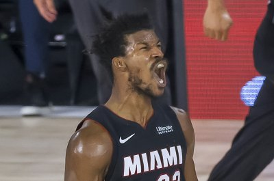 Jimmy Butler scores 40 to lead Heat over Bucks in series opener