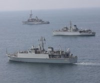 U.S., British, Saudi navies train in mine countermeasures