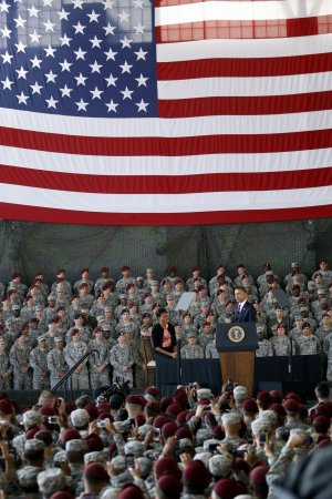 Obama thanks troops at end of Iraq war