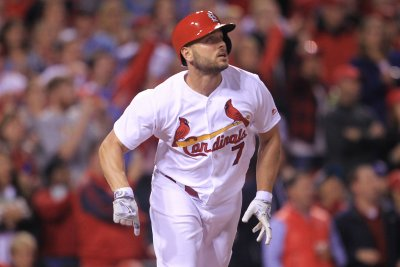 New York Yankees officially sign OF Matt Holliday