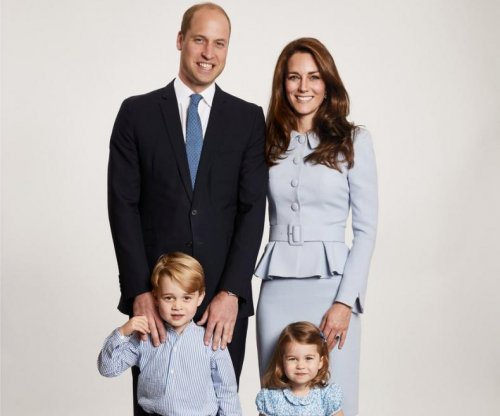 Prince William, Kate Middleton share 2017 family Christmas card