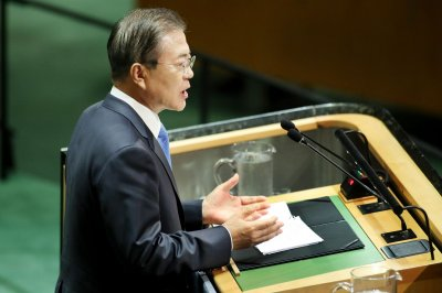 'Sincere apology' from Japan required on 'comfort women,' Moon says
