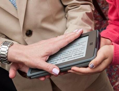 U.S. ambassador sworn in on an e-reader