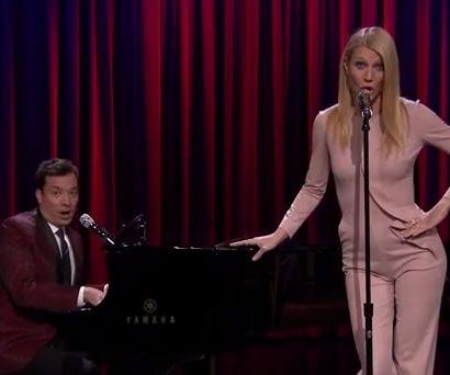 Gwyneth Paltrow sings Broadway versions of rap songs on 'Tonight'