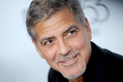 George Clooney plays Jim Cramer-like TV money man facing active shooter in 'Money Monster'