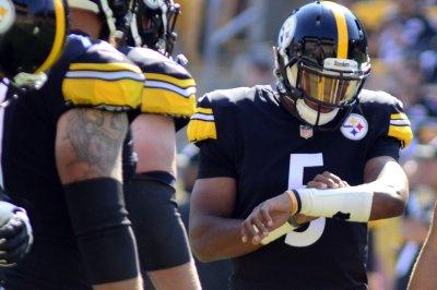 Pittsburgh Steelers: Joshua Dobbs' late TD stuns Carolina Panthers
