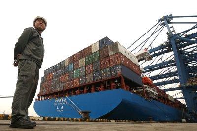 China warns of countermeasures if U.S. imposes new tariffs