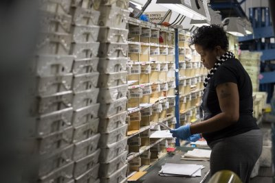 Study: U.S. Postal Service the most popular federal agency; VA the least