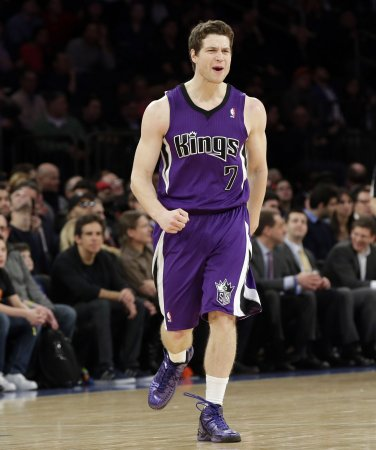 Jimmer Fredette takes shots at Kings after signing with Bulls