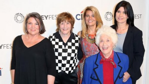 'Facts of Life' cast reunite at PaleyFest