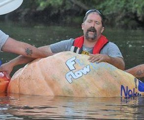 Man kayaks 3 1/2 miles in 817-pound pumpkin