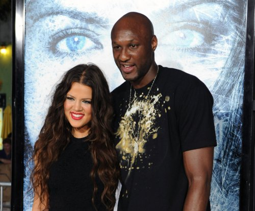 Khloe Kardashian visits Lamar Odom following staph infection