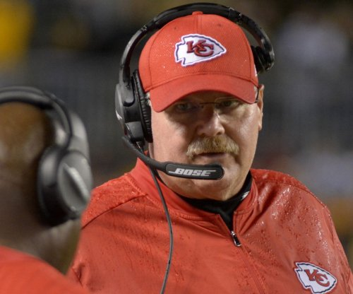 Kansas City Chiefs extend Andy Reid, part ways with GM John Dorsey