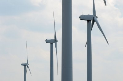 China considering energy storage mandate for wind