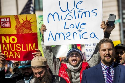 Supreme Court appears to favor Trump's travel ban