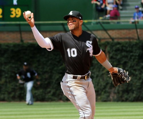 White Sox phenom Yoan Moncada hits first leadoff homer