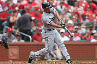 Chicago White Sox, Cleveland Indians to close out series