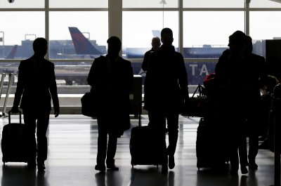 U.S. airlines improve customer scores over past year -- slightly
