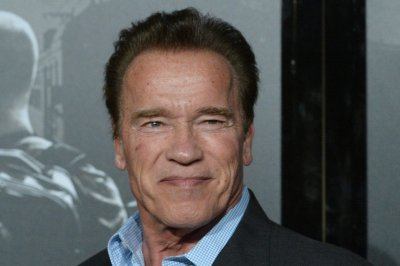 Arnold Schwarzenegger joins the fight in 'Terminator: Dark Fate' trailer