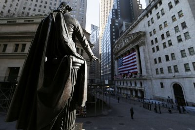 Dow slides 410 points on final day of quarter