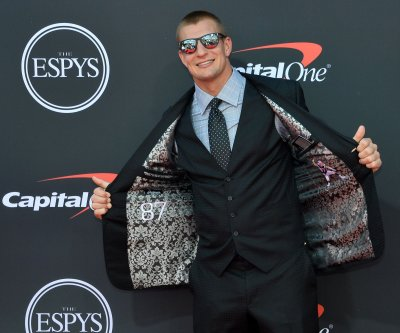 White Tiger Rob Gronkowski gets the boot on 'Masked Singer'