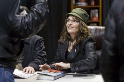 Book on '08 race portrays 'other' Palin