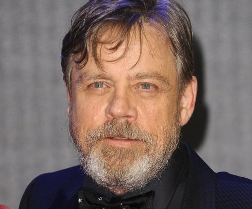 Mark Hamill calls out fraudulently signed 'Star Wars' memorabilia