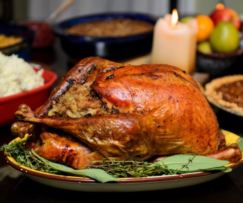 Thanksgiving feast will cost less this year, American Farm Bureau says
