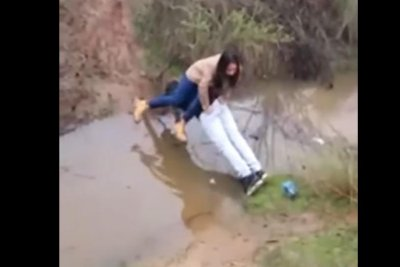 Attempted chivalry earns man muddy pants