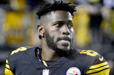 Pittsburgh Steelers' Antonio Brown inactive, James Conner active vs. Bengals