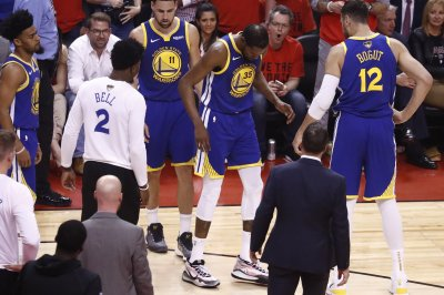 Warriors' Kevin Durant flies to New York for MRI; believed to have Achilles tear