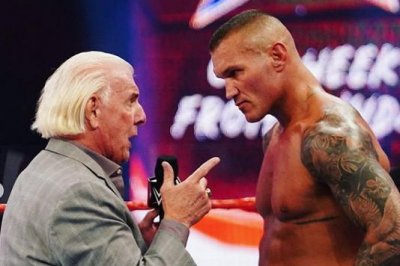 WWE Raw: Randy Orton attacks Ric Flair, Asuka faces Bayley