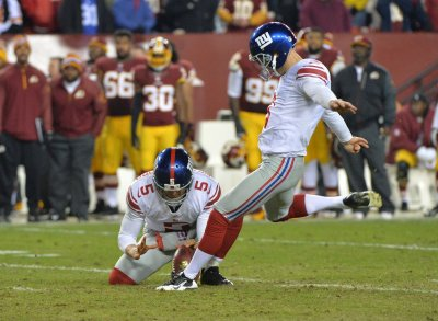 Giants re-sign Josh Brown, Stevie Brown; waive Baas