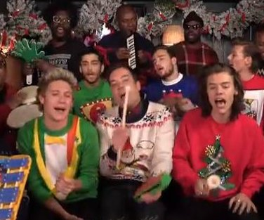 One Direction, Jimmy Fallon and The Roots sing 'Santa Claus Is Coming To Town'