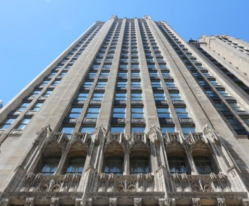 Gannett offers $815 million for Tribune Publishing