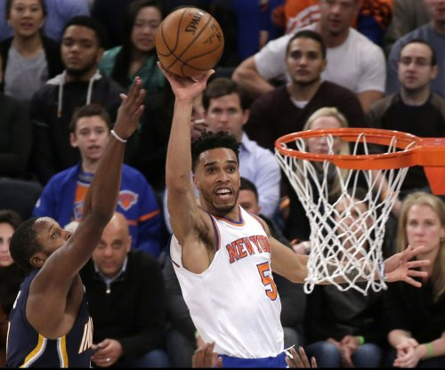 Carmelo Anthony tosses in 35 as New York Knicks top Indiana Pacers