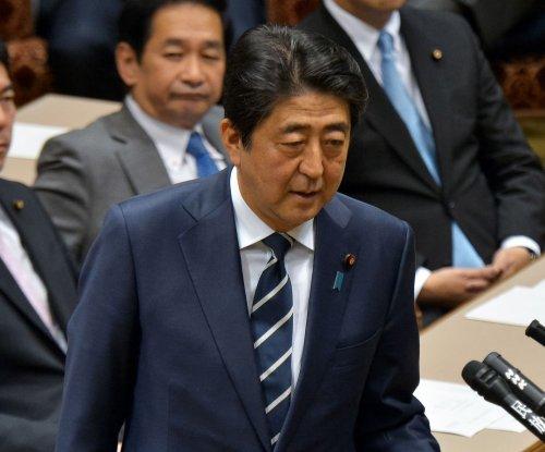 Japan's Shinzo Abe asks Pope Francis to visit Hiroshima