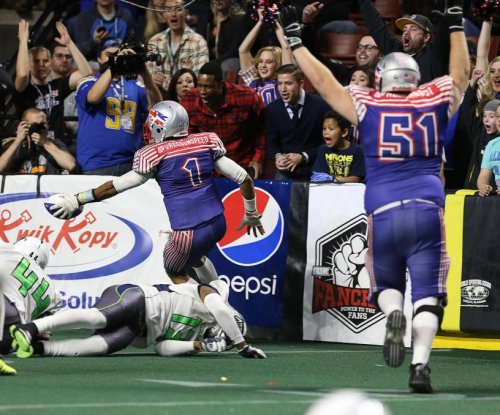 You are the coach: Call plays for this indoor football team with an app
