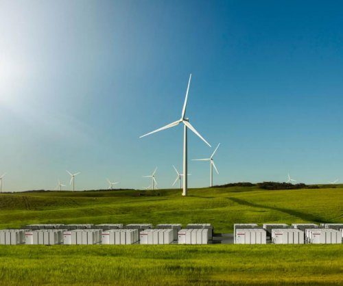 Construction of Tesla's giant lithium ion battery completed