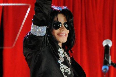'Leaving Neverland': Director, Michael Jackson estate spar over film