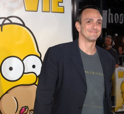 'Simpsons' voice actors make deal with Fox