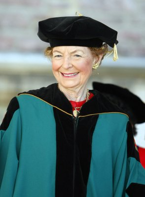 Phyllis Schlafly: Women who are paid same as men won't find husbands