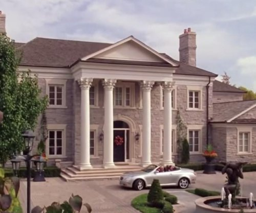 'Mean Girls' mansion goes up for sale in Toronto