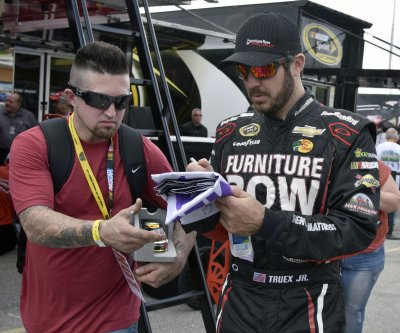 Martin Truex Jr. nabs pole for Coca-Cola 600