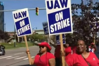 GM strike enters 2nd week, UAW prepared to picket for weeks
