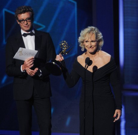 2010 Emmys show gets producer, air date