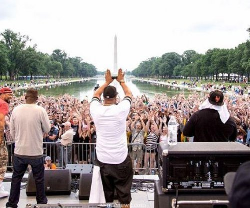 Thousands of atheists gather for 'Reason Rally' in Washington, D.C.
