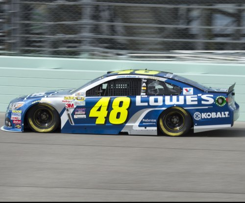 Jimmie Johnson nabs first pole of season at New Hampshire